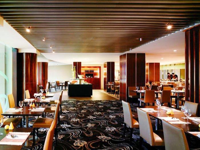 大型餐厅长龙式商用vwin德赢国际解决方案